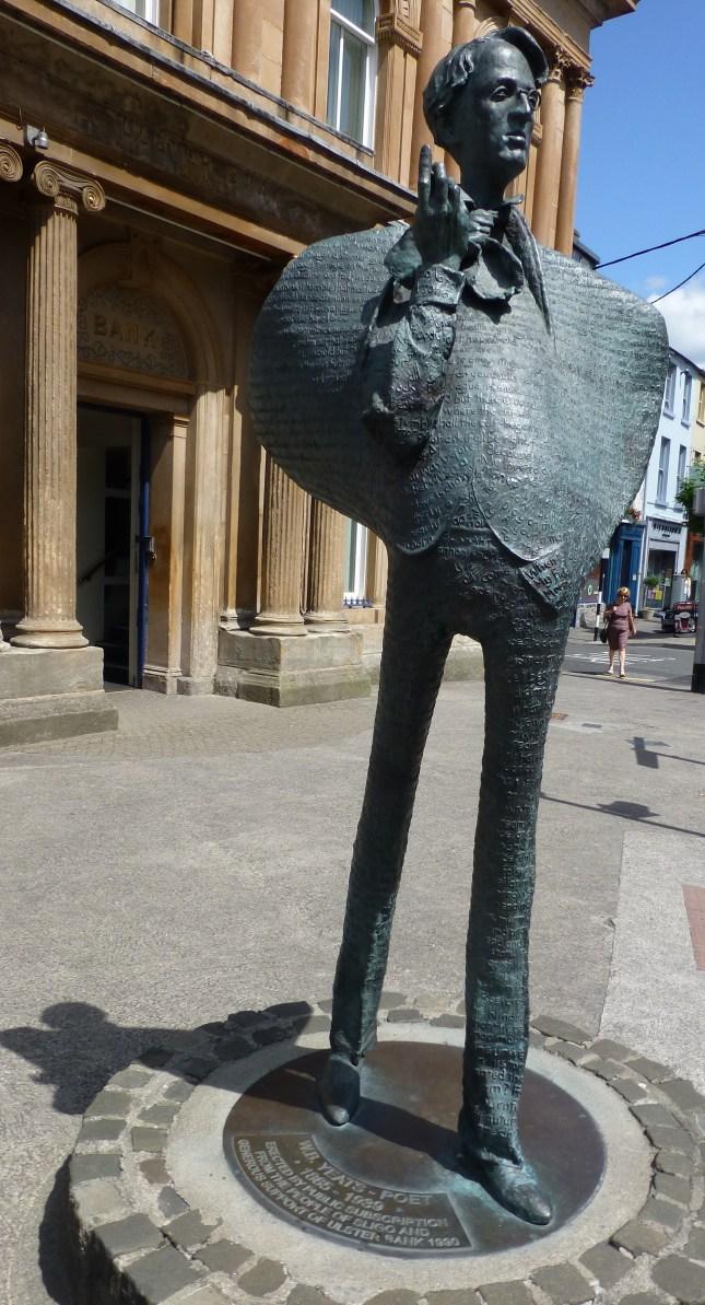 Statue_des_Schriftstellers_William_Butler_Yeats_(2)